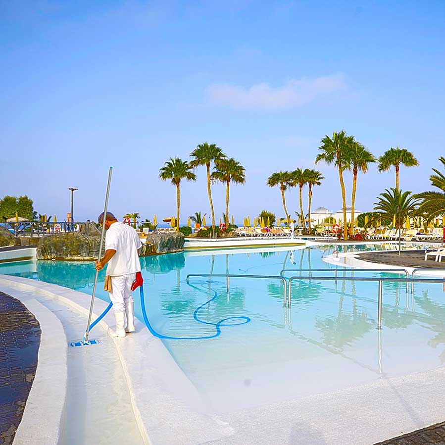 Commercial Pool Cleaners - Brevard Florida